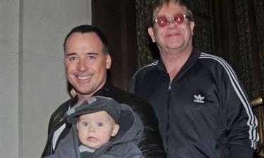 Sir Elton John: Ο γιος μου θα προβληματιστεί που δεν θα έχει μητέρα