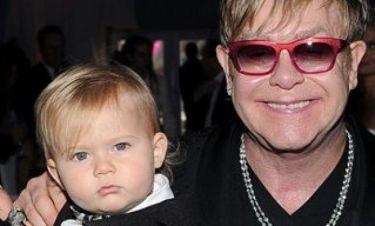 Γιατί ο γιος του Elton John ξεχωρίζει από τα παιδιά της ηλικίας του;