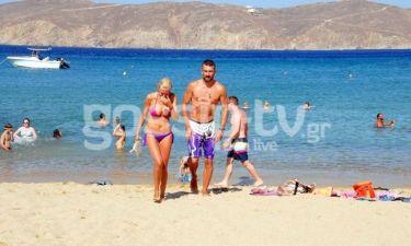 Κώστας Χαλκιάς: Out on the beach