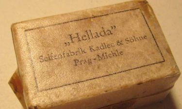 Φωτό Σοκ:Οι Γερμανοί περηφανεύονται ότι κάνανε τους Κρητικούς σαπούνι(Αποκλειστικά στο Tv Πίνεις)