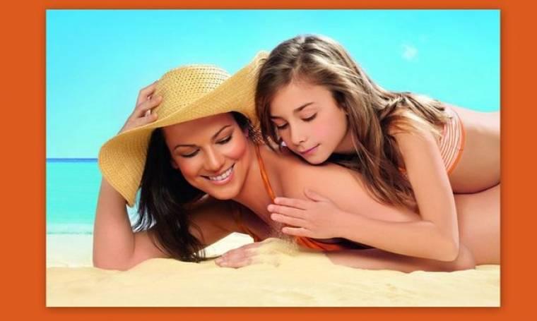 Μάνια Ντέλου: Με την κόρη της σε διαφήμιση αντηλιακών του άντρα της!
