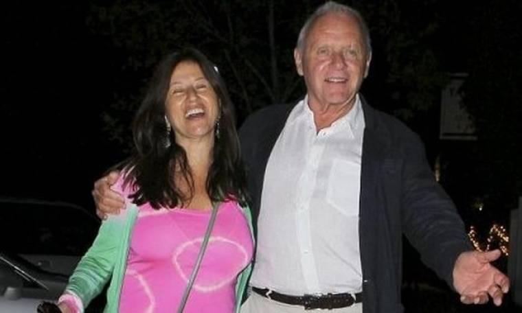 Sir Anthony Hopkins: Ακόμη ερωτευμένος στα 74 του!