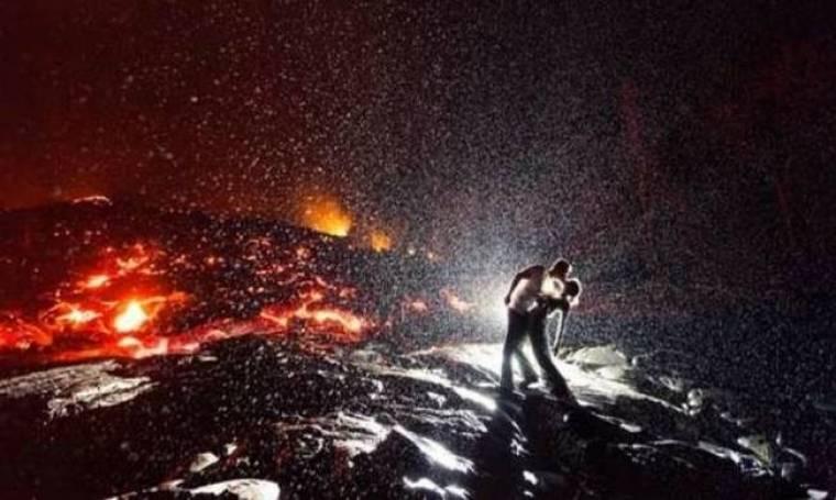 Το πιο... καυτό φιλί: Μια εντυπωσιακή φωτογραφία