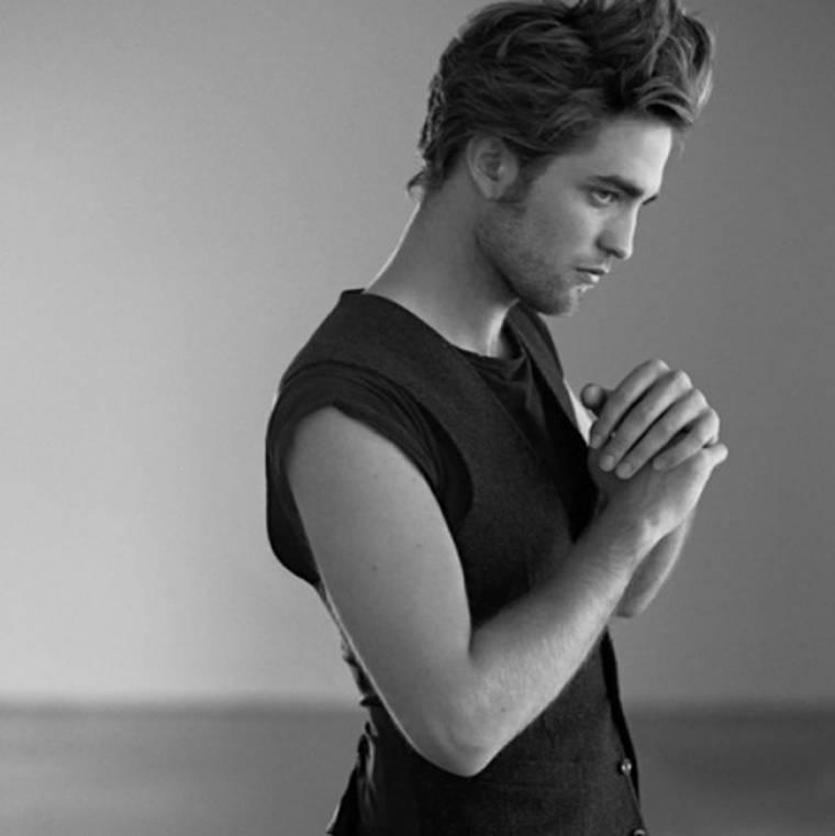 """Ο""""βρυκόλακας"""" της ημέρας, είναι από χθες απαρηγόρητος... Υπάρχει εθελόντρια να παρηγορήσει τον Robert Pattinson;"""