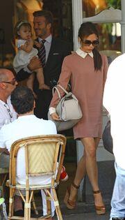 Ο David Beckham  με την κορούλα του!