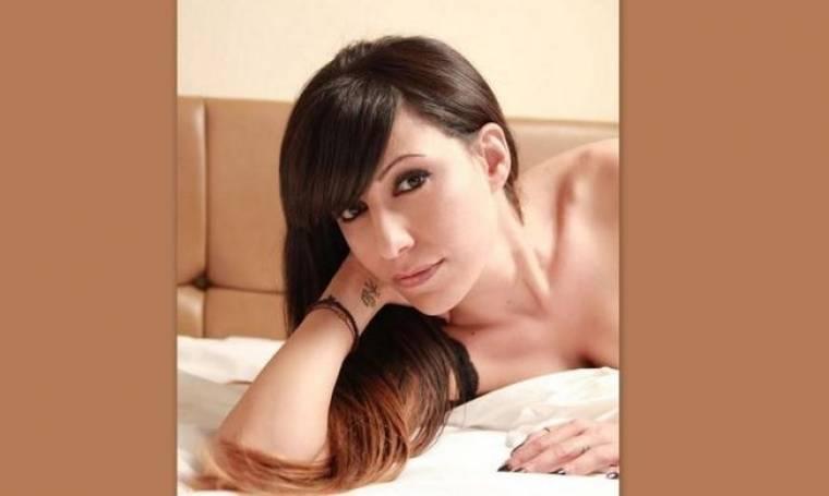 Μαρία Ιακώβου: «Με ενδιαφέρει να απασχολώ με τα τραγούδια, όχι με τα προσωπικά μου»