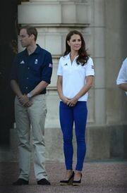 Φωτογραφίες από την υποδοχή της Ολυμπιακής Φλόγας στο Παλάτι!