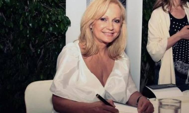 Αγγελική Νικολούλη: «Είναι σαν γέννα το να γράφεις. Σαν τοκετός»