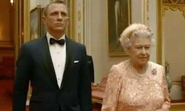Ο James Bond και το νέο κορίτσι του, η Ελισάβετ!
