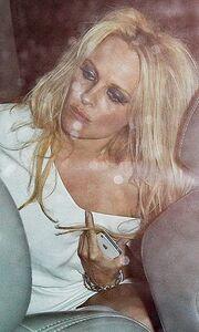Pamela Anderson: Σε κακή κατάσταση έξω από κλαμπ