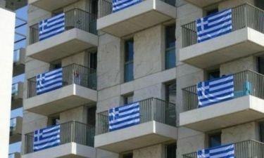 Το Ολυμπιακό Χωριό του Λονδίνου κατακλείστηκε από ελληνικές σημαίες