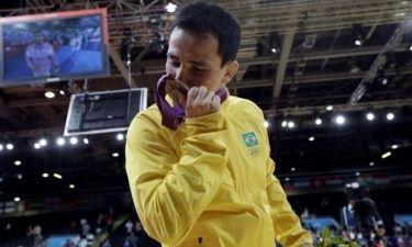 Ολυμπιακοί Αγώνες 2012:  Ολυμπιονίκης έσπασε το μετάλλιό του την ώρα που έκανε μπάνιο