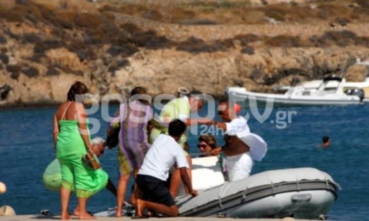 Βαρβιτσιώτης-Μάτσας: Διακοπές με σκάφος στη Μύκονο