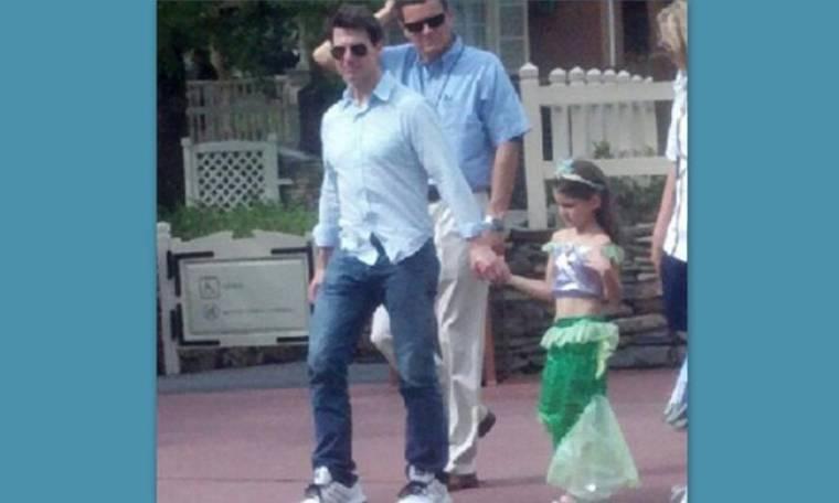 Ο Tom Cruise στη Disneyland με την Μικρή Γοργόνα – Suri