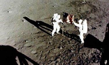 Χάθηκε η πρώτη σημαία στο φεγγάρι
