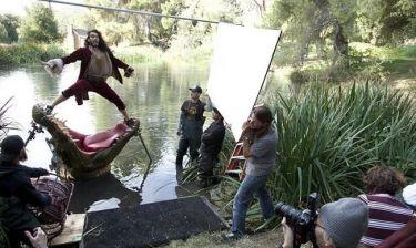Ο Russell Brand έγινε Captain Hook!
