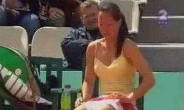Βίντεο: Τενίστρια αλλάζει εσώρουχο στο γήπεδο!