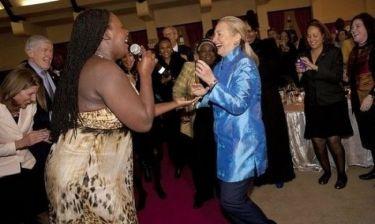 Ο ξέφρενος χορός της Χίλαρι Κλίντον!