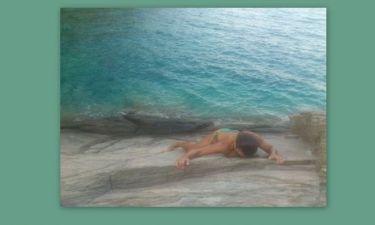 Θα μας τρελάνει όλους: Ελληνίδα Celebrity κάνει topless ορειβασία! (Nassos blog)