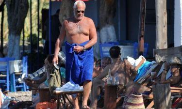Ο Γιάννης Πρετεντέρης και η... μπλε πετσέτα! (φωτό)