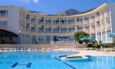 Στο «σφυρί» 1000 ξενοδοχεία σε εξευτελιστικές τιμές