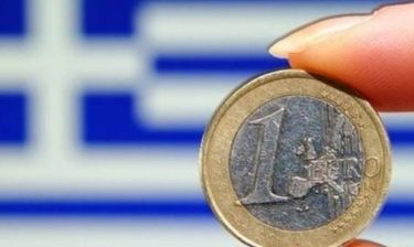 Reuters: Παραμονή της Ελλάδας στην Ευρωζώνη βλέπουν οι αναλυτές