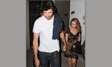 Κylie Minogue: Ακόμα ένα «cougar» χέρι χέρι με το toy boy της