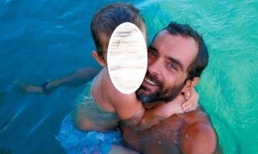Δείτε τον Κωνσταντίνο Μαρκουλάκη σε διακοπές με τον γιο του!