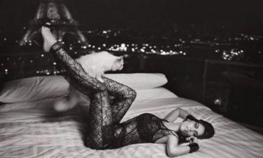 Η προκλητική φωτογράφιση της Laetitia Casta δια χειρός Karl Lagerfeld!