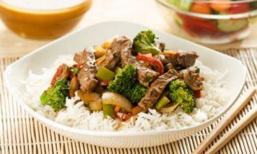 Χοιρινό σε μπουκίτσες και λαχανικά στη λαδόκολλα!