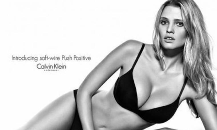 Η Lara Stone φωτογραφίζεται για τον Calvin Klein