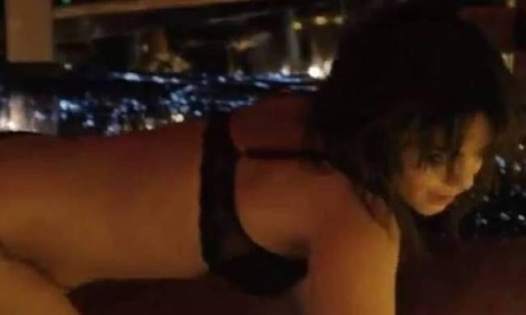 Video: Το «καυτό» στριπτίζ της Vanessa Hudgens