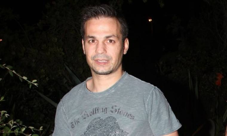 Ο Ντέμης Νικολαΐδης έβαψε τα μαλλιά του ξανθά! Δείτε φωτογραφίες!