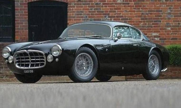 Πούλησε το πολυτελέστατο αυτοκίνητό του για ένα εκατομμύριο λίρες Αγγλίας