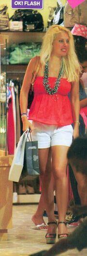Ελένη Μενεγάκη: Shopping therapy… και το καλοκαίρι