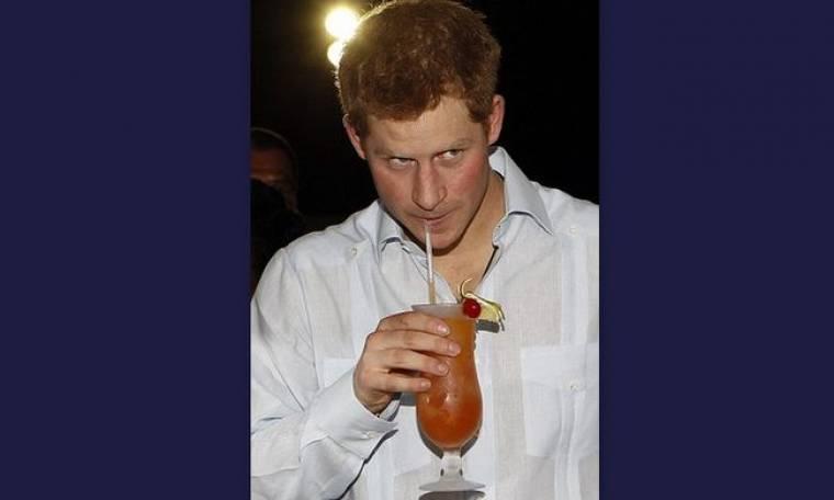 Ο πρίγκιπας Harry κλήθηκε σε… απολογία από τον Κάρολο