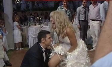 Χρίστος Αντωνιάδης: Παντρεύτηκε και έσκισε την καλτσοδέτα της νύφης!