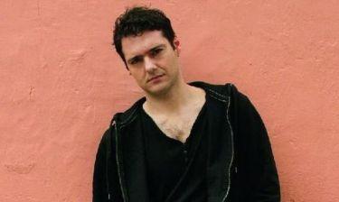 Θάνος Τοκάκης: Μιλάει για τις «Νεφέλες» που πρωταγωνιστεί στο Εθνικό Θέατρο