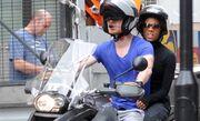 Michael Fassbender: Easy Rider με το κορίτσι του αγκαλιά!
