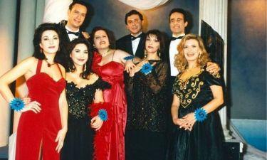 Δείτε πώς είναι μετά από 18 χρόνια οι πρωταγωνιστές της σειράς «Εμείς και εμείς»