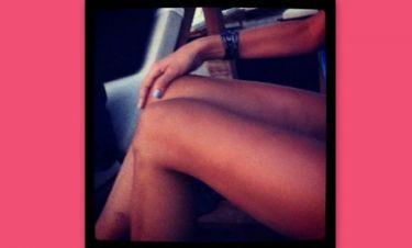 Τα καλλίγραμμα πόδια της…