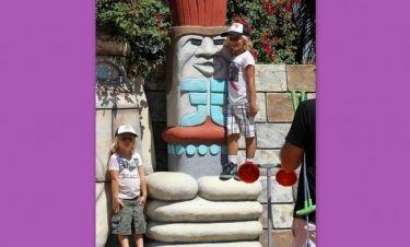 Η Gwen Stefani με τους γιους της για γκολφ
