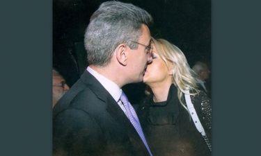 Χατζηνικολάου-Τσολακάκη: Τρυφερά φιλιά μετά από έξι χρόνια γάμου (φωτό)