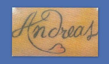 Τον λατρεύει τόσο που  έκανε τατουάζ το όνομά του