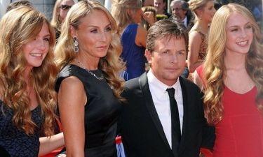 Ο Michael J Fox επιστρέφει και ποζάρει με την οικογένειά του στο κόκκινο χαλί