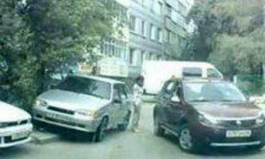 Βίντεο: Αυτή η οδηγός σίγουρα λάδωσε για να πάρει το δίπλωμα!