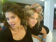 Μαρία Κορινθίου-Πατρίσια Μίλικ-Περιστέρη με τα μπικουτί στο κεφάλι! (φωτό)
