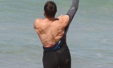 Όταν ο Hugh Jackman πηγαίνει στην παραλία