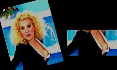 Φωτό: Η απρόσεκτη Ελένη Μενεγάκη μας δίνει χαλαρά ένα Nip Slip! (Nassos blog)