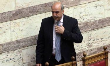 Αναστέλλει τα καθήκοντά του ο Πρόεδρος της Βουλής